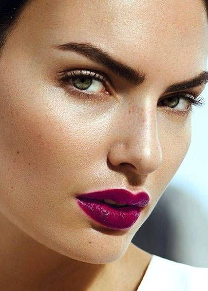Fustany-Beauty-The_10_Most_Trendy_Lipstick_Colors_You_Should_Try_This_Spring-Berry