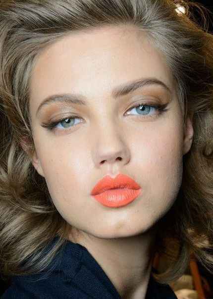 Fustany-Beauty-The_10_Most_Trendy_Lipstick_Colors_You_Should_Try_This_Spring-Coral