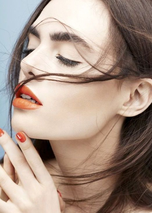 Fustany-Beauty-The_10_Most_Trendy_Lipstick_Colors_You_Should_Try_This_Spring-Orange