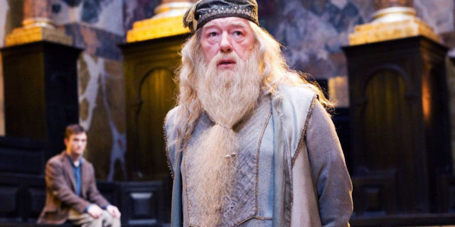 gallery-1479742357-harry-potter-fans-are-freaking-out-over-a-theory-about-dumbledore-that-makes-a-lot-of-sense